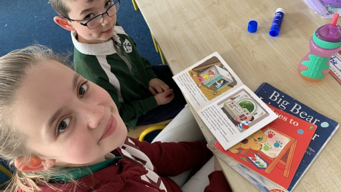 Bingo and buddy reading as Gaeilge